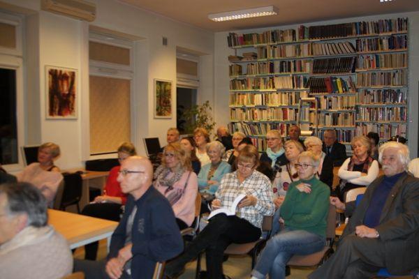 Spotkanie autorskie z Krystyną Lemanowicz – autorką książki Osaczenie – Polski Wołyń w ogniu nienawiści Na zdjęciu uczestnicy spotkania