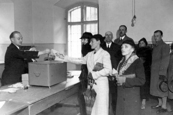 zdjęcie archiwalne z wyborów