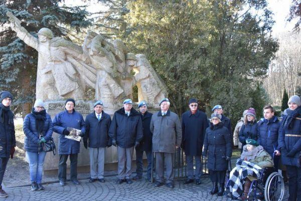 Zdjęcie grupowe Kombatantów ze Szczecina i  Wałcza