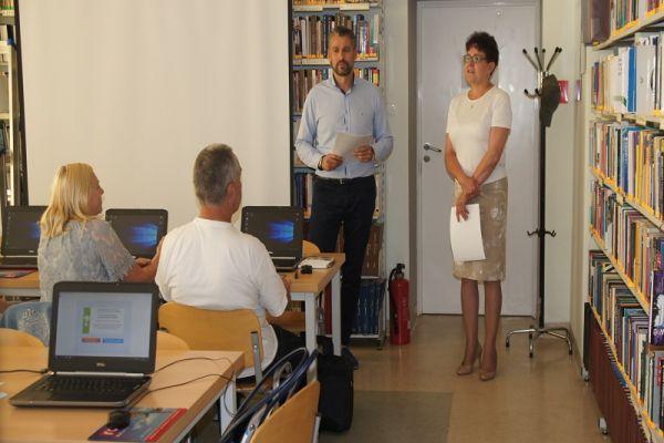 sala komputerowa, wykładowca i organizator kursu
